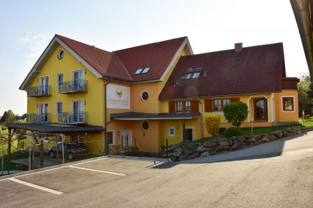 7 Tage, 6 Personen, Wein, Golf & Therme